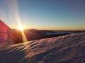 Východ slunce pod vrcholem Mont Blancu