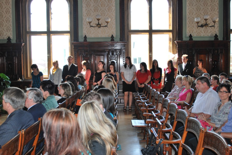 Předávání vysvědčení absolventům VOŠE 2012